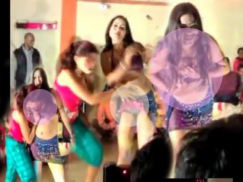 Mango Fruity Song-नहीं देखा होगा ऐसा सेक्सी अश्लील डांस-Sexy Indian Stage Dance 2017