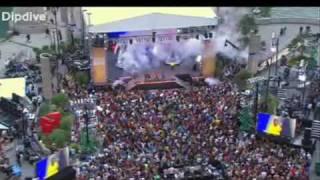 Black Eyed Peas I got a feeling on Oprah Chicago Flashmob 24th