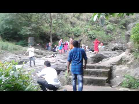 Mallu girls in water falls