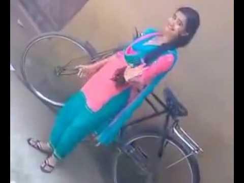 Cute Desi Girl Lovely Dance