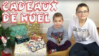 NOEL - ouverture des cadeaux de Noël - JOYEUX NOEL !