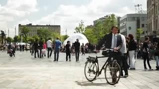 تحول اكبر شوارع هولندا إلى ساحة رقص على اغنيه وكاوكا🎶🎵🎶🎵🎶🎵🎶🎵