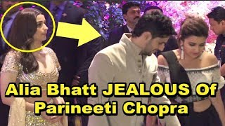 Alia Bhatt SHOCKING REACTION On Seeing Ex Boyfriend Siddharth Malhotra With Parineeti Chopra