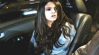 Selena Gomez Freaks Out And Calls 911