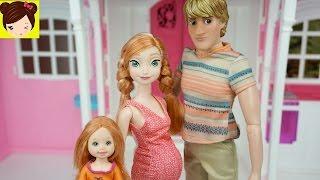 Kristoff y Ana Tienen Sus Bebes y Compran Una Nueva casa de Barbie - Frozen Ana Embarazada