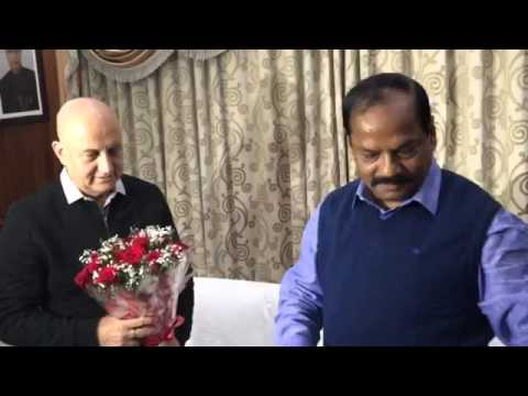 The chief minister of Jharkhand, Shri Raghubar Das met Bollywood Actor Shri Anupam Kher.