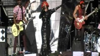 Paloma Faith - live - T in the Park - New York - july 2010