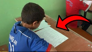 هذا الطفل لم يجد قلم لكي يحل الإمتحان .. ولكن شاهد ماذا فعل   شاهد المفاجئة