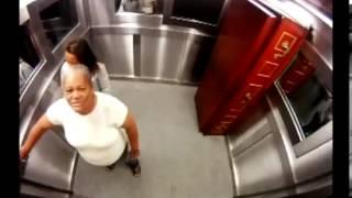 Farsa cu cadavru in lift