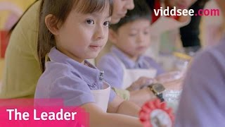 The Leader - Being A Leader Means Sharing; This Girl Teaches Her Mother How // Singapore Viddsee.com