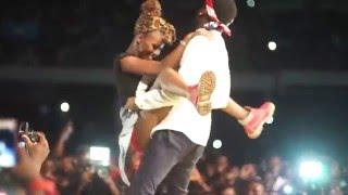Kranium Humps Girl in Ghana (MTN Pulse Turn Up Concert)