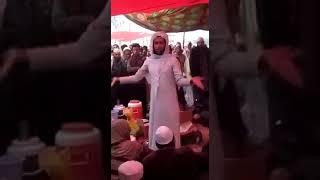 Gay Muslim Preacher (Khusra Imam) Taughting Islam to a Tableeghi Jamaat - Bayan e Haq