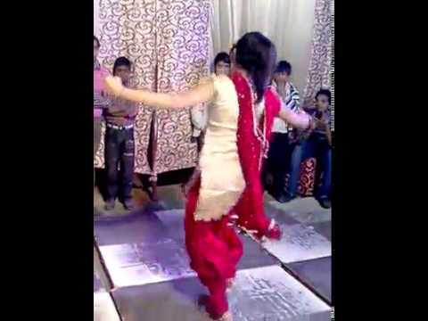 Hot Desi punjabi Girl Dance