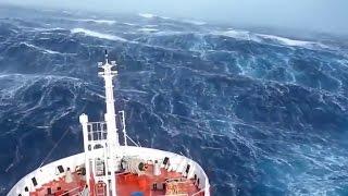 Impresionante! Vídeo real! Barco en mitad de una tormenta - El poder de la naturaleza