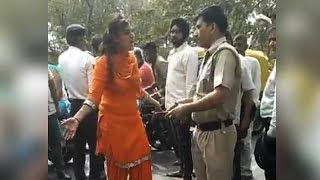 Chandigarh Drunk girls fighting with police, Video Goes Viral