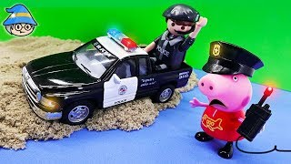 Peppa Pig goes on a police car. Peppa Pig become a police officer and play police.