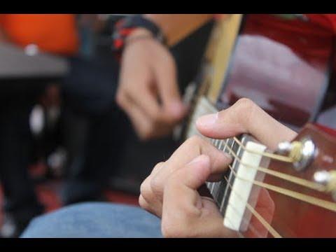 LIEN KHUC XOM DEM NGUOI DI NGOAI PHO CHUYEN TAU HOANG HON Do Thanh Cong Guitar Cover