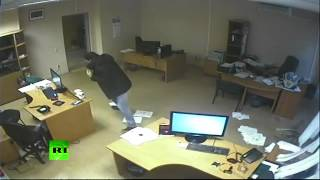 Dramatic CCTV: Meteorite blast wave blows out doors, windows in Russia