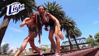 Chicas Bailando Electrónica al Estilo Profesional