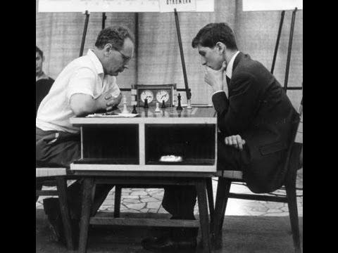 Amazing Game : Mikhail Botvinnik vs Bobby Fischer - Gruenfeld Defence, Varna Olympiad 1962