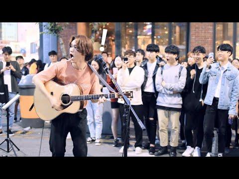 Download Lagu Anak-anak lelaki yang menyaksikan terkejut [Indonesia Sub] MP3