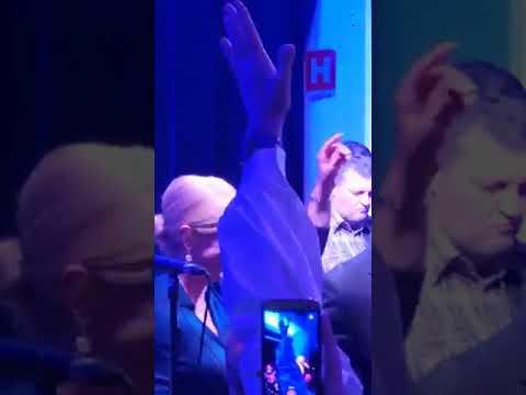 Xxx Mp4 Kolinda Se Popela Na Pozornicu S Matom Bulićem I Zapjevala 3gp Sex