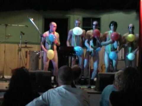 Rövkrökarna Ballongdans