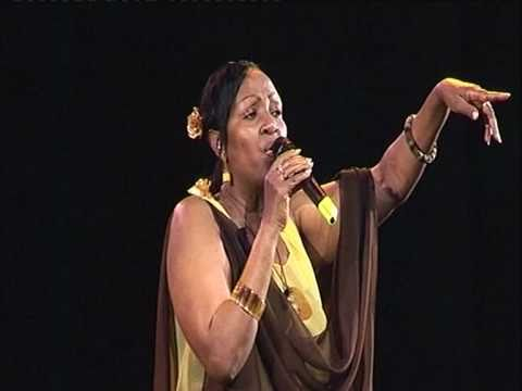Chant poésie et danse rwandaise Extrait du DVD Ishema ry Abahanzi