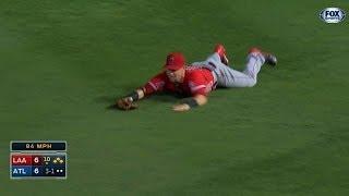 Calhoun makes an amazing game-saving catch