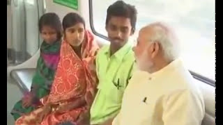 Modi travelling alone in train. Passengers shocked!!!!! Full Video