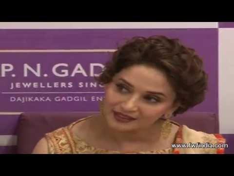 Xxx Mp4 Dedh Ishqiya Madhuri Dixit Naseeruddin Shah Hot Scene 3gp Sex