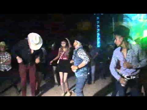 Peleas en Baile de Grupo Legitimo en Laguna de San Vicente Villa de Reyes S.L.P. NOV. 2015