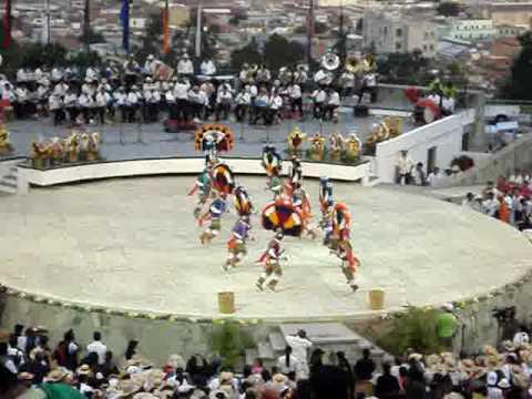 Guelaguetza 2009 Danza de la pluma Cuilapam. 1ra parte