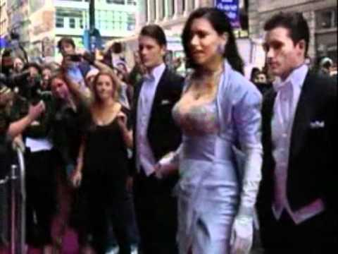 Adriana Lima wears 2millions bra