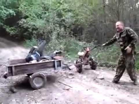 Un rus beat conduce motosapa
