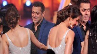 Salman Khan Hugs Malaika Arora Khan At Golden Petal Awards 2016