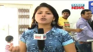 People Welcome Cashless Payment Method In Bhubaneswar