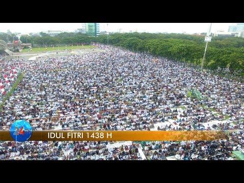Ribuan Umat Muslim Sholat Idul Fitri di Lapangan Karebosi
