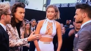 Gigi Hadid Snubs Harry Styles During 2015 AMA Interview?