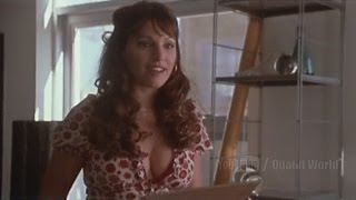 Kelly Brook Scene with Seth Green from the movie The Italian Job (2003)