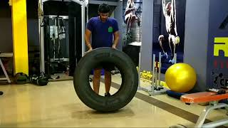 Crossfit tyre workout