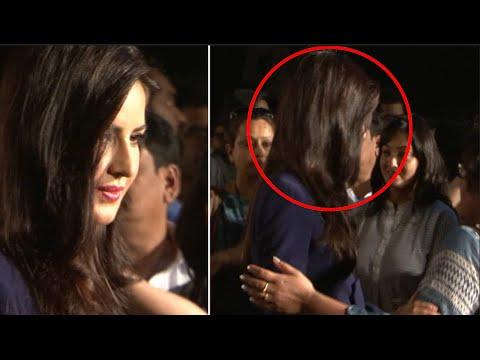 OMG ! Katrina Kaif Threatenes Photographers ?
