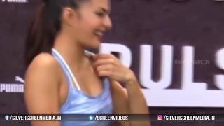 అబ్బా ఈ హీరోయిన్ అదందాలు ఎలా చూపిస్తుందో చూడండి | Jacqueline Fernandez Cleavage | Actress Videos