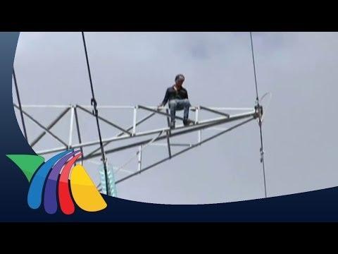 Hombre se suicida desde torre de luz en Edomex