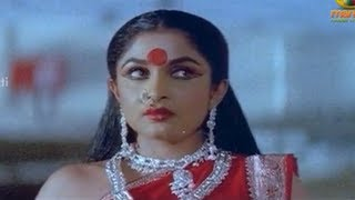Sri Raja Rajeswari Scenes - Nizhalgal Ravi trying to escape from Ramya Krishna - Sanghavi,Ramki
