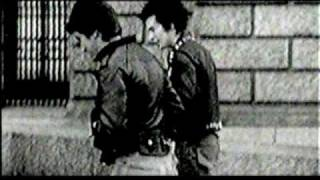 Sex Pistols - Holidays In The Sun