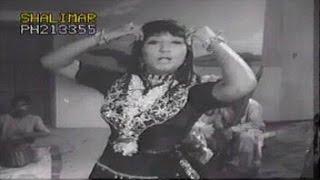 Adam Khan Darkhanai - Yo Palom Yaar Lavangeen - Pashto Movies Song With Dance