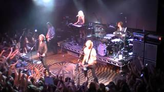 R5 - (I Can't) Forget About You (Prague, Czech Republic 29/09/2015)