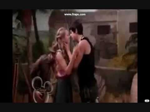 Beautiful kisses of Disney Channel Tutti i baci più belli di Disney Channel