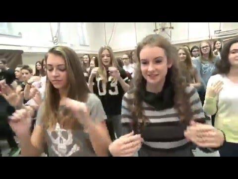 Flashmob Gemu Fa Mire by Students of Kazinczy Ferenc Gimnázium